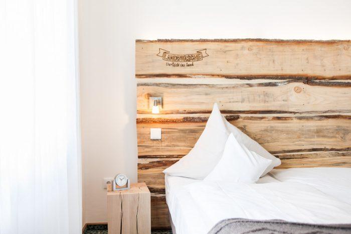 Landbursche Bett Detail