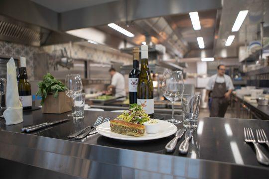 Buchnas Landhotel Küchentisch